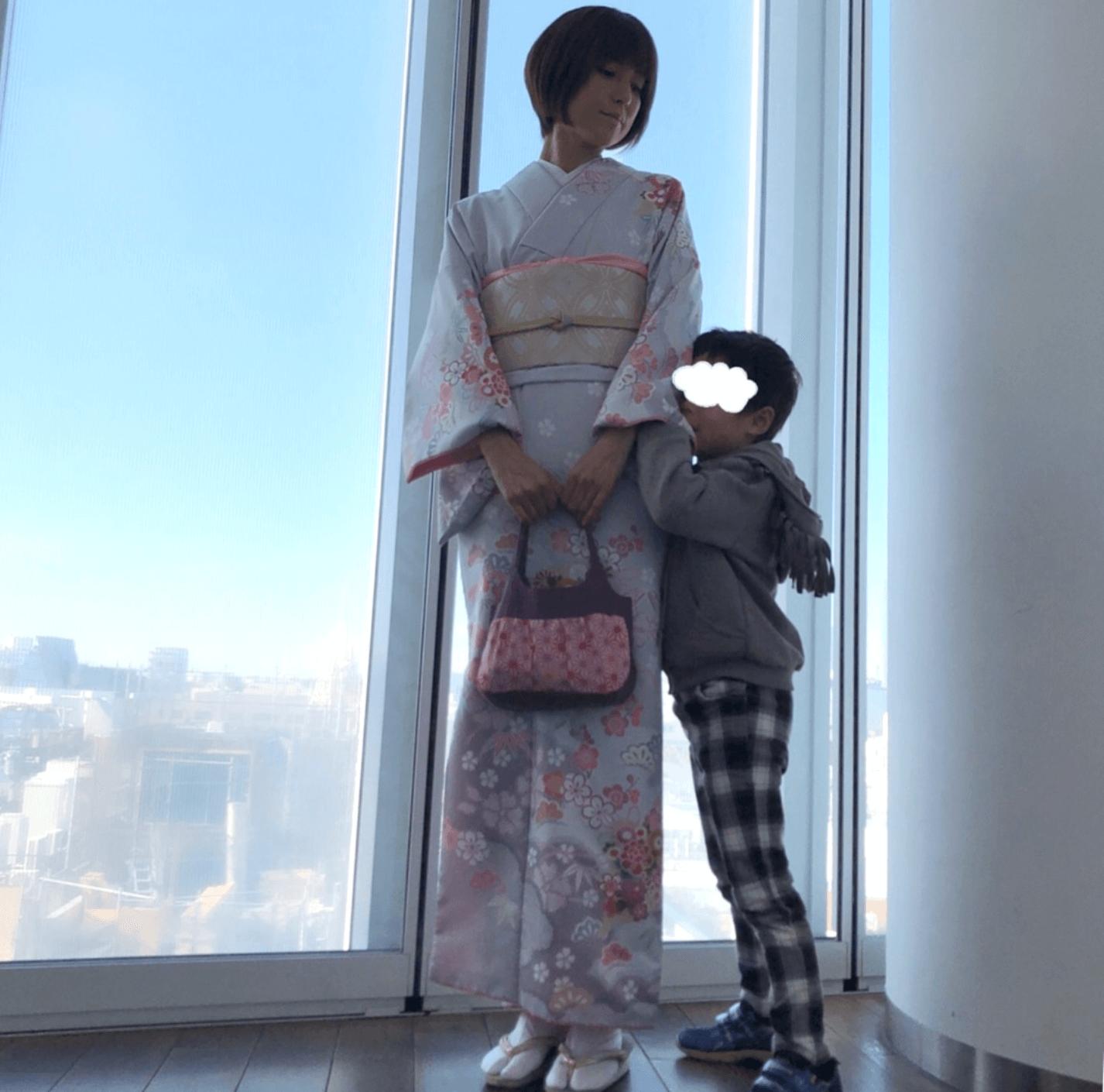 hitomi、着物姿で5歳長男との七五三2ショットを公開「苦しいけど…気分は上がります」