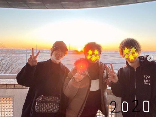 """横浜流星、""""友達と初日の出SHOT""""公開に反響「マスクしててもイケメン」「笑顔眩しすぎ」サムネイル画像"""