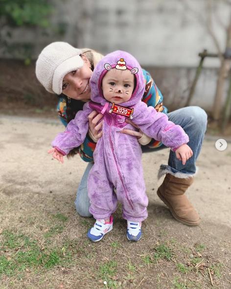 「可愛すぎる」土屋アンナ、次女との2ショット&手作り豪華おせち料理の写真に反響「愛情たっぷり」サムネイル画像