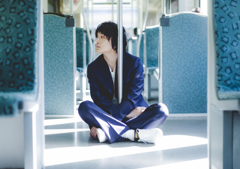 石崎ひゅーい、新曲「パレード」使用の「歌舞伎町シャーロック」ED映像公開サムネイル画像