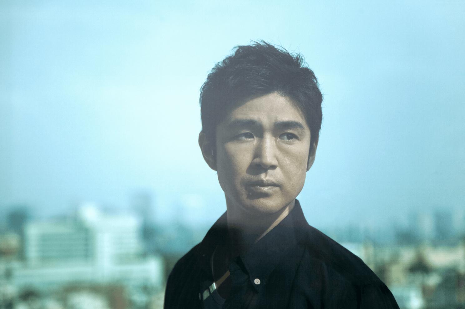 藤巻亮太、配信リリースの新曲「Heroes」コラージュアートを用いたジャケット写真が公開サムネイル画像