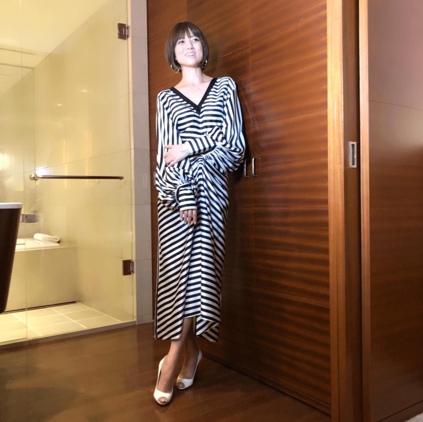 """hitomi、""""変身前""""と""""変身後""""の姿公開しファン反響「どのhitomiさんも素敵」「足が長すぎる」"""