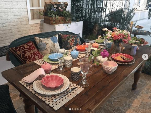 """小倉優子""""家族でのんびり過ごす休日""""イメージのテーブルコーディネートに「素敵」の声サムネイル画像"""