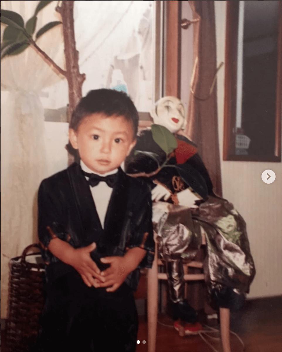 「整形してないよ」AAA與真司郎、子供の頃の写真公開に反響「目クリクリ」「小さい頃から出来上がってますね」サムネイル画像