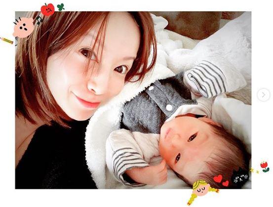 「ママそっくり」鈴木亜美、次男との2SHOT公開&産後の変化を語り反響「とても大事」サムネイル画像