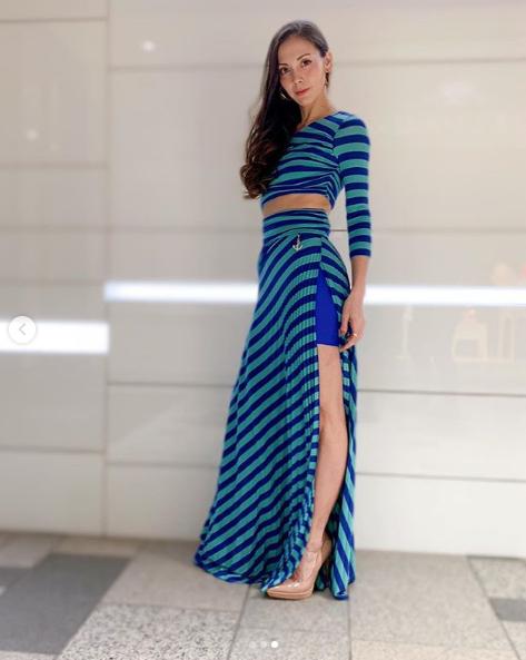 土屋アンナ、美脚&お腹チラ見せドレスSHOTに絶賛の声「素敵」「めっちゃ綺麗」サムネイル画像