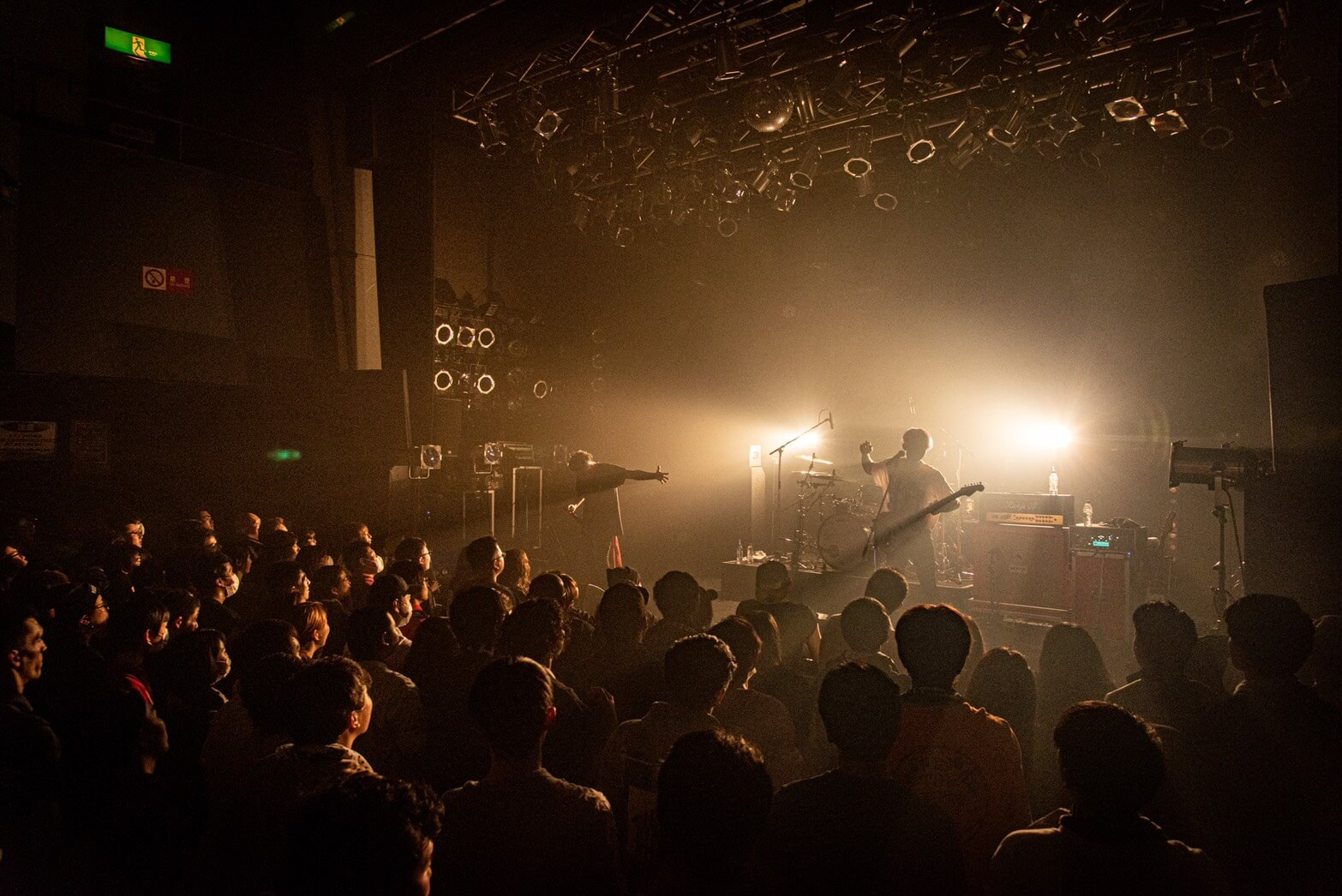 """BACK-ON、""""生まれ変わり""""共有のワンマン『rebirth TOUR』ファイナル公演レポートサムネイル画像"""