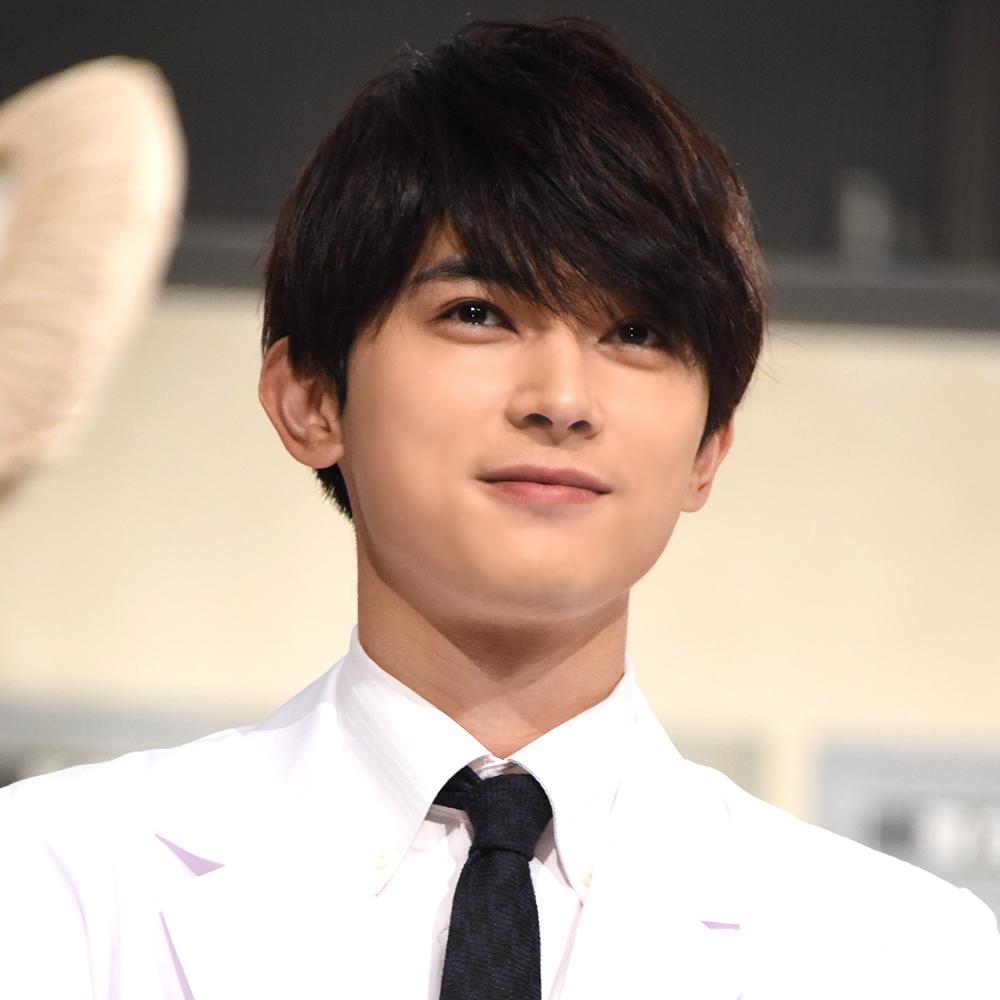 """吉沢亮、学生時代は""""自分から""""チョコをもらいに?「交換してるところに…」サムネイル画像"""