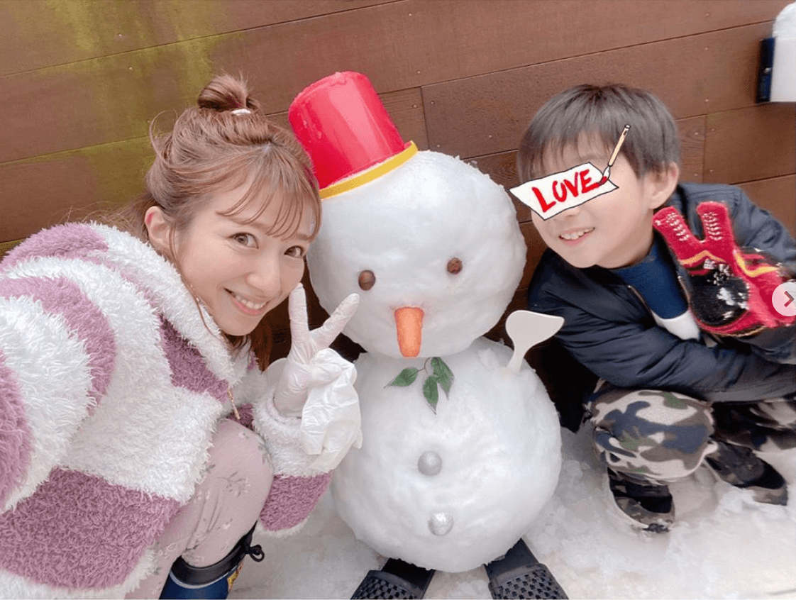 """辻希美、杉浦太陽や子どもとの""""雪だるまSHOT""""公開「久しぶりにこんな大きい雪だるま…」"""