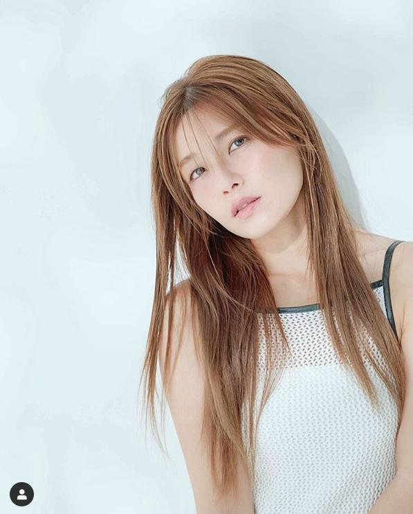 AAA宇野実彩子、透明感溢れるキャミソールSHOTに「綺麗すぎる」「女子の憧れ」サムネイル画像