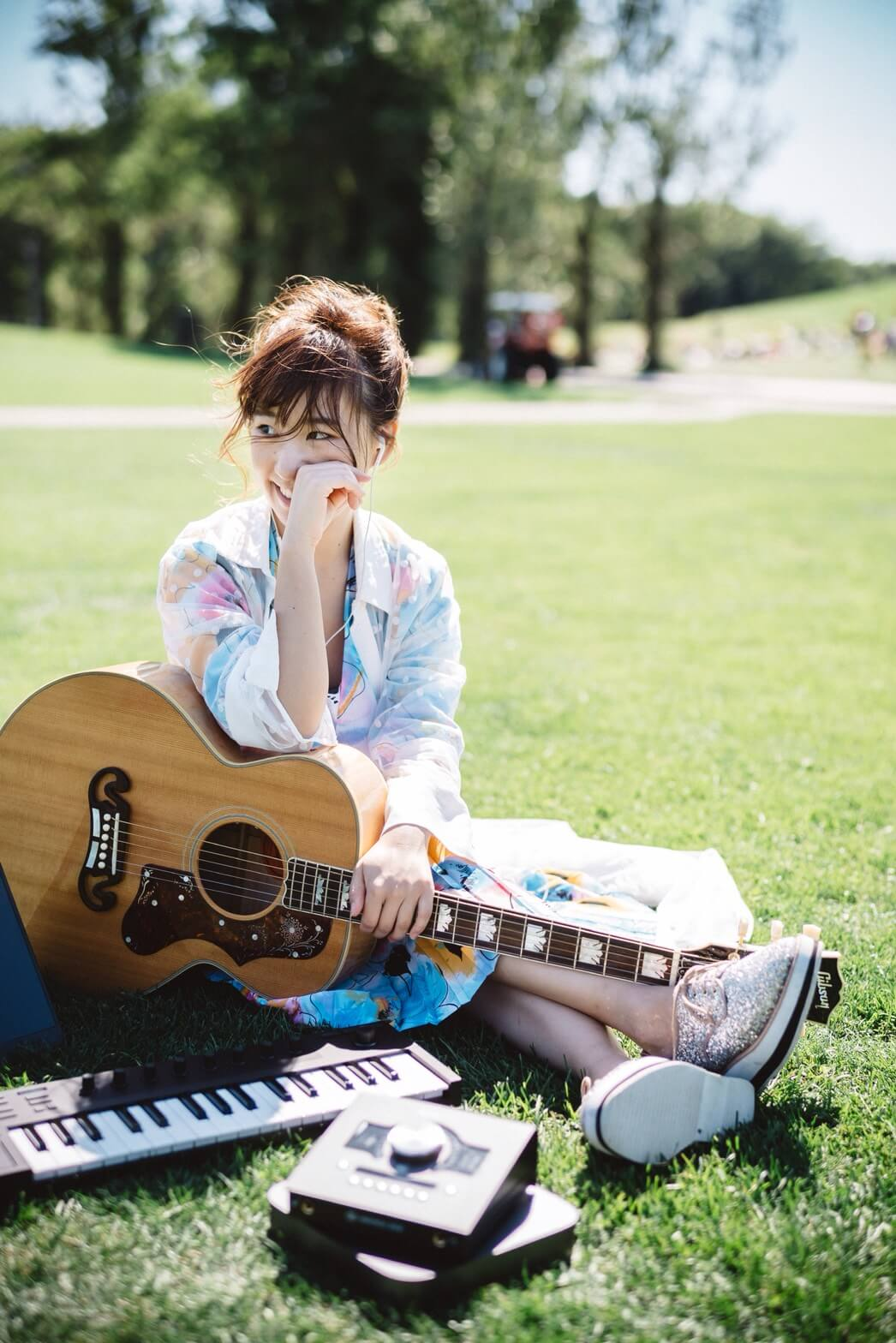 小澤ちひろ、新曲MVが先行YouTubeアップサムネイル画像
