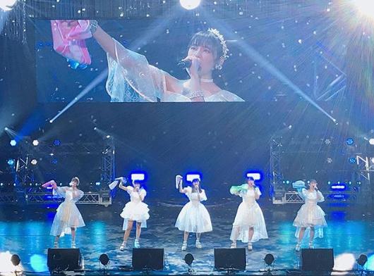 こぶしファクトリー、白いドレスで歌う解散ラストライブにファン反響「最高の景色」サムネイル画像!