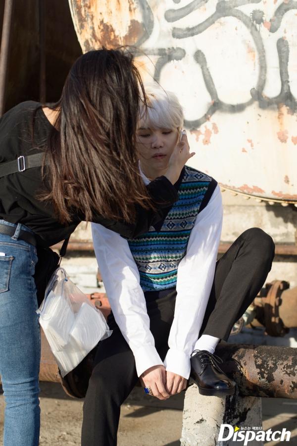 """少年神_BTS「神写真集」のプレミアム""""オフショット""""を公開   E ..."""