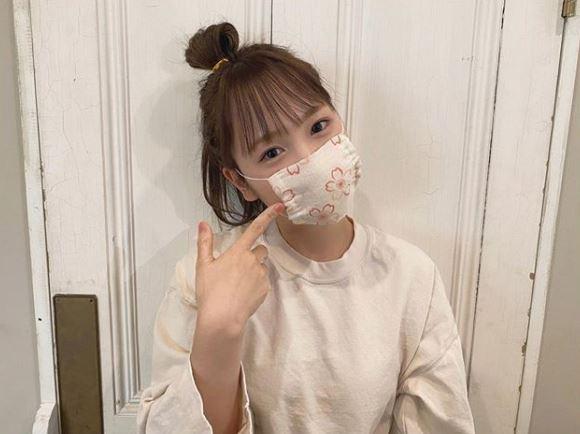 """川栄李奈、手作りの""""桜マスク""""SHOT公開で「すごーい」「さすがママさん」の声"""