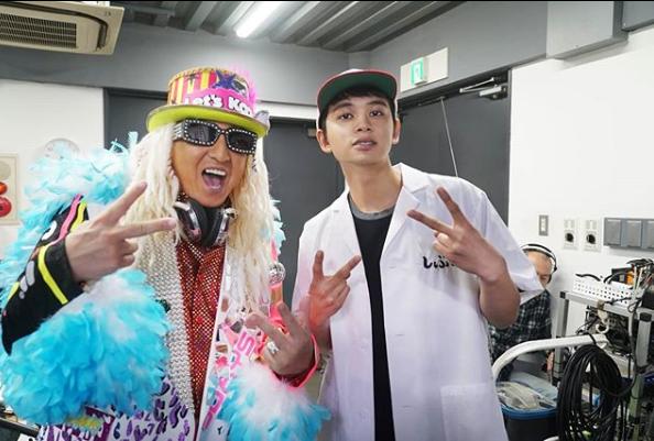 """DJ KOO、北村匠海との""""アゲアゲ""""な2SHOT公開「映画に初出演しまっす!」サムネイル画像"""