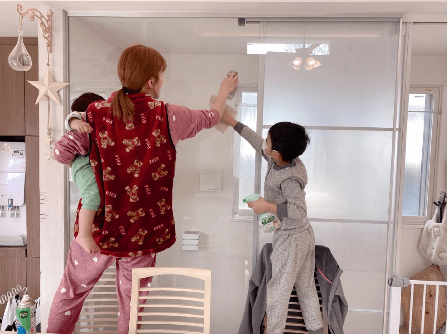 """「オススメします」辻希美、""""一石二鳥""""なおうち時間の家族SHOT公開サムネイル画像"""