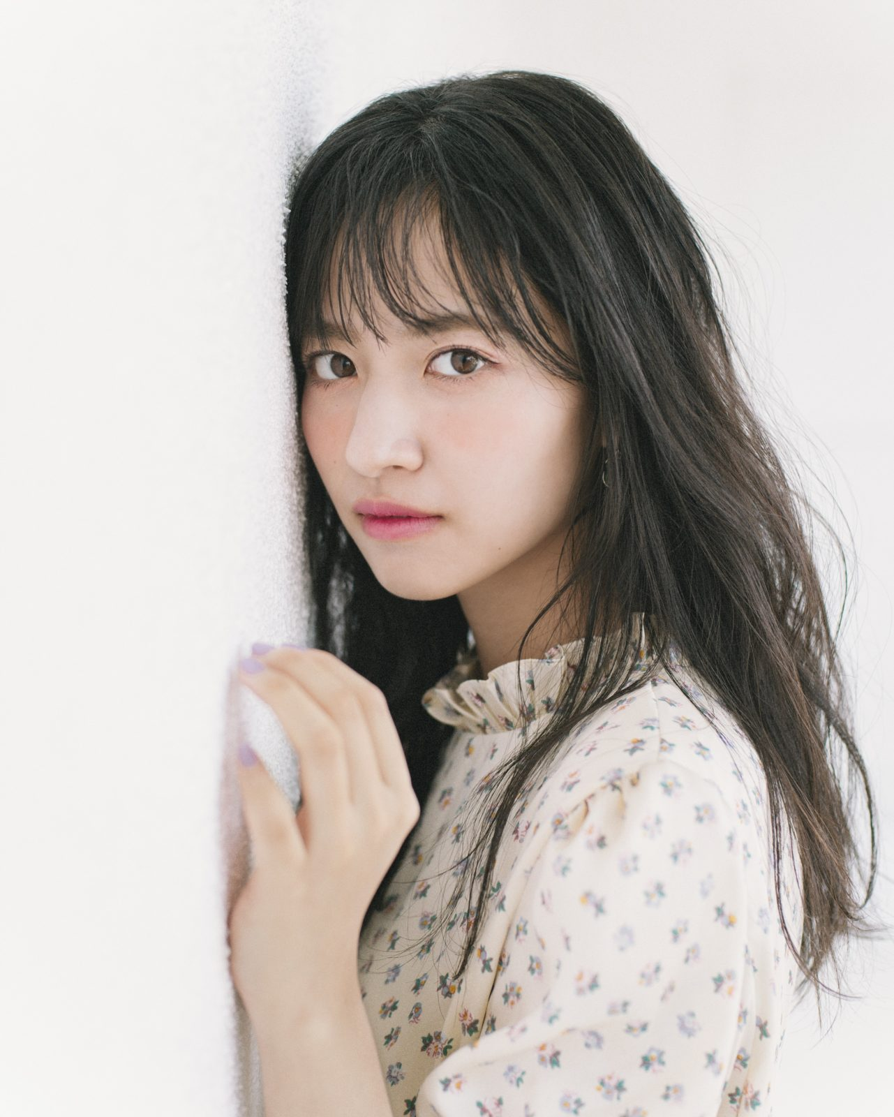 乃木坂46・金川紗耶、透明感あふれる魅力で「Ray」専属モデルにサムネイル画像