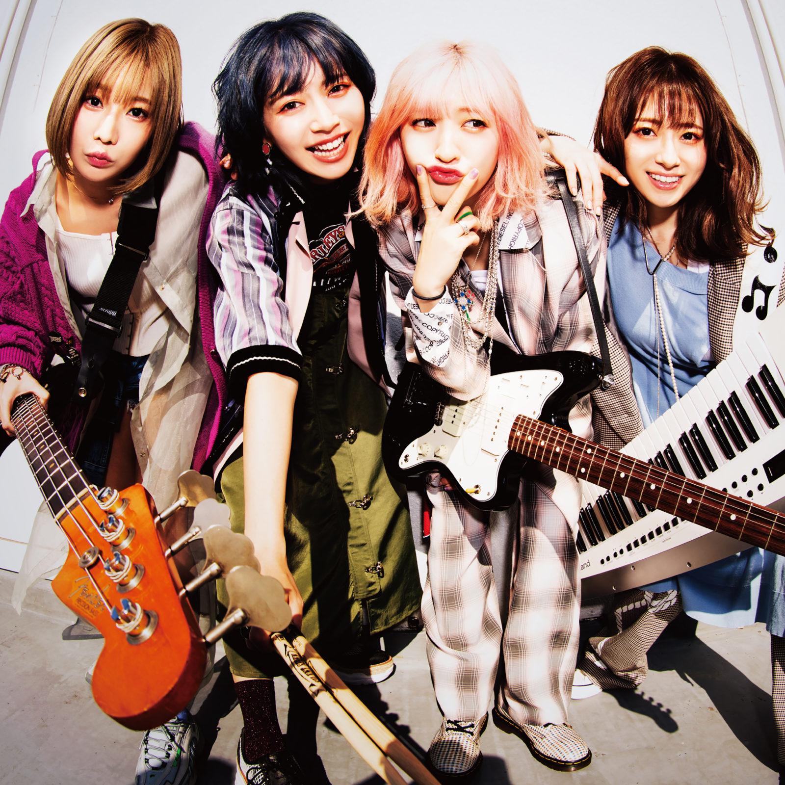SILENT SIREN、バンド結成10周年記念して過去の映像作品を期間限定で公開中!第2弾は2015年 東京体育館公演と、2016年横浜アリーナサムネイル画像