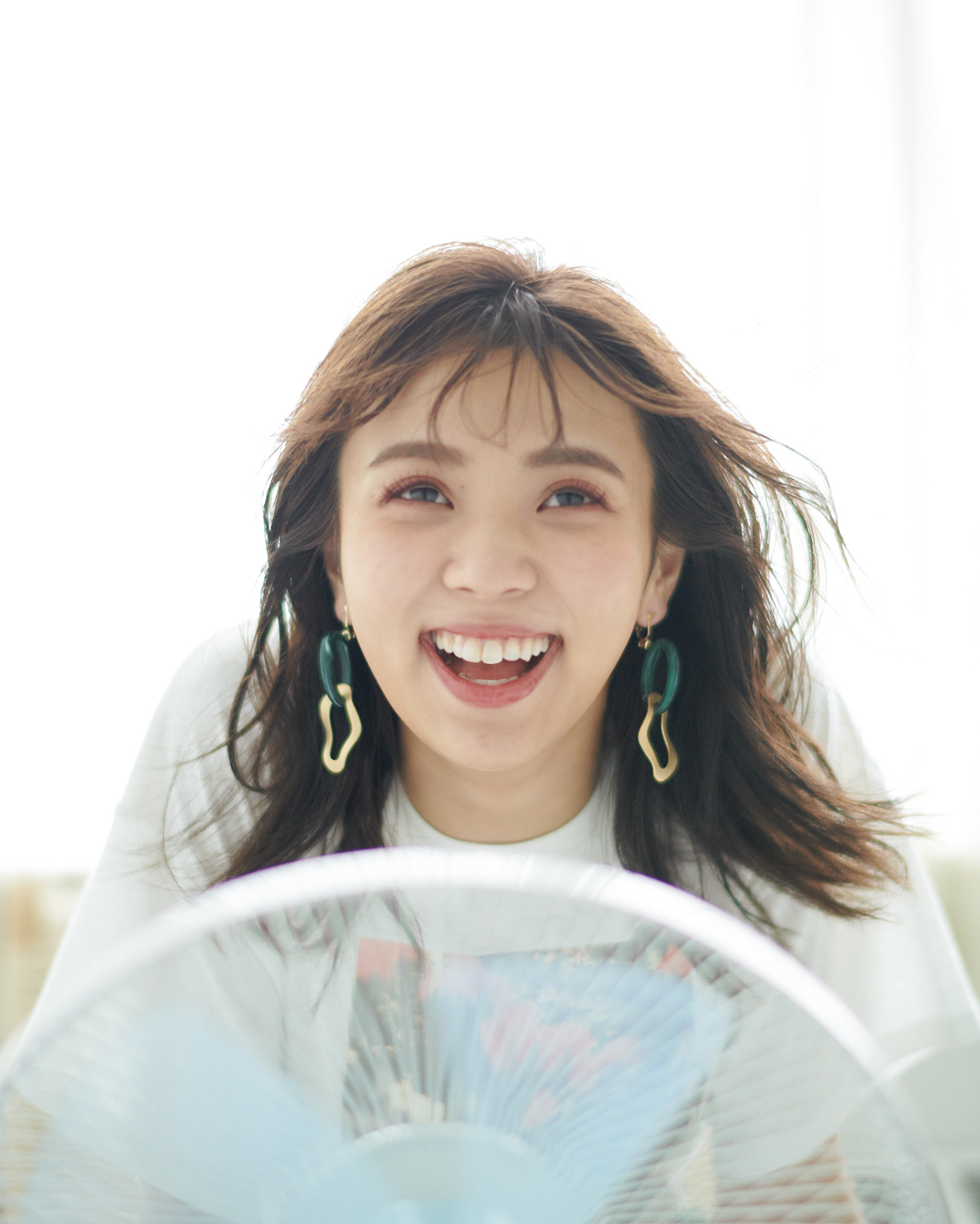 欅坂46・小林由依「まさに普段の自分!」なオフショットが公開