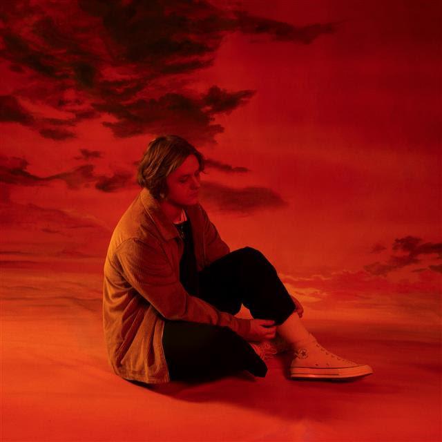 ルイス・キャパルディ、デビュー・アルバム発売1周年を記念したライヴEPをリリースサムネイル画像