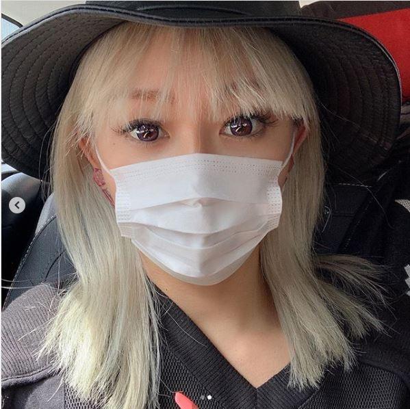 """「小顔感が半端ない」倖田來未、子供サイズの""""マスクSHOT""""に反響「お人形さんみたい」"""