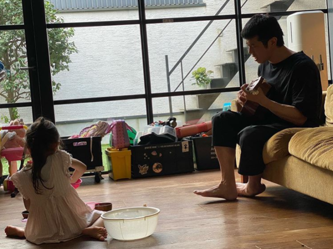 """藤本美貴、夫・庄司智春と娘の""""ほのぼのSHOT""""に「素敵な光景」「最高に幸せ」の声"""