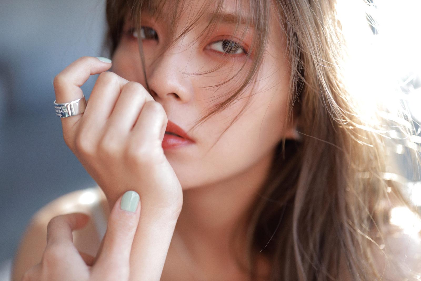 AAA宇野実彩子、透明感&目ヂカラあふれる美麗ショットを公開サムネイル画像