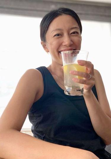 里田まい、笑顔SHOT公開&撮影者を明かし反響「爽やかなスッピン」「画になります」サムネイル画像
