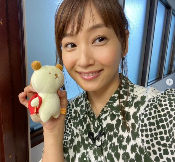 藤本美貴、まとめ髪の笑顔SHOT公開に「本当に可愛い」「だいすき」の声