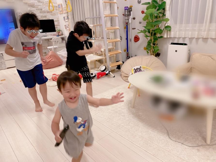 """辻希美、自家製野菜でカレー作り&息子3人""""大はしゃぎ""""SHOTも公開「賑やかな我が家」"""