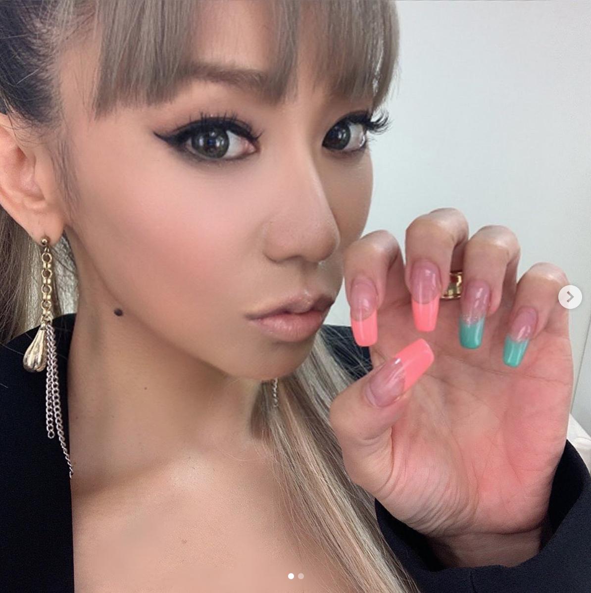 倖田來未、左右カラー違いのネイル見せ自撮りSHOT公開に反響「超可愛い」「参考になります」サムネイル画像