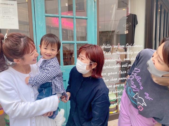 辻希美、三男と一緒に撮影の仕事で喜び「嬉し過ぎるな」「可愛がってもらえて…」