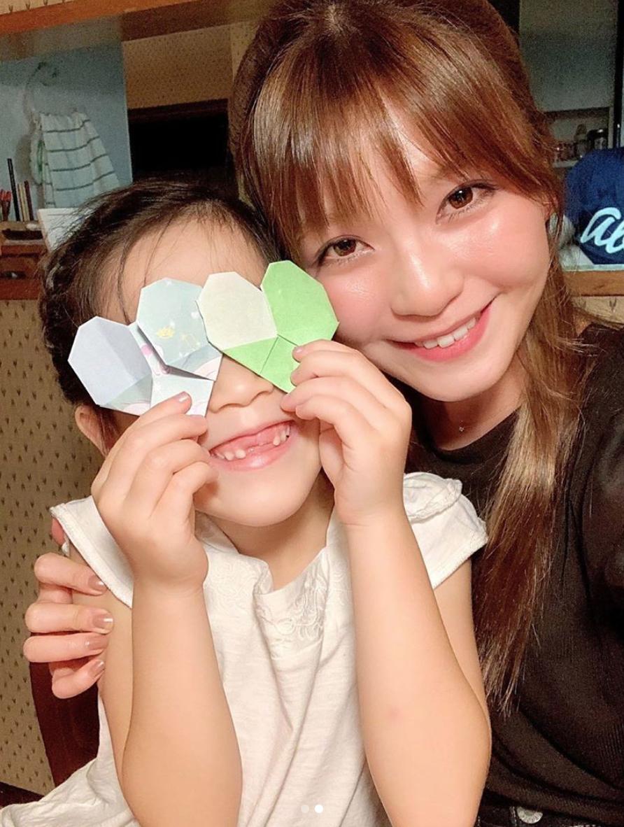AAA宇野実彩子、姪っ子との仲良し2SHOT公開に反響「最強に癒し」「天使が2人いる」サムネイル画像