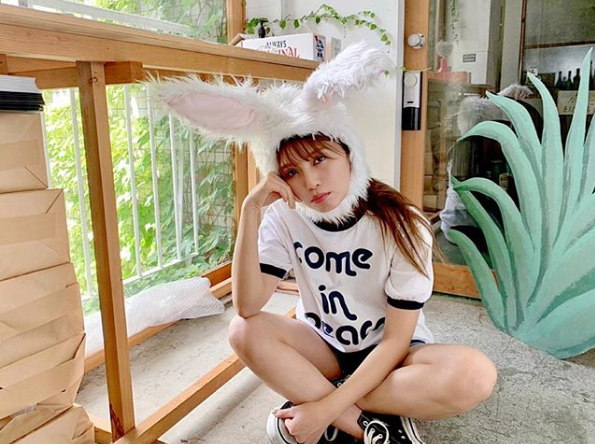 """AAA宇野実彩子、キュートな""""うさぎSHOT""""公開にファン悶絶「天使!」「このうさぎ飼いたい」サムネイル画像"""
