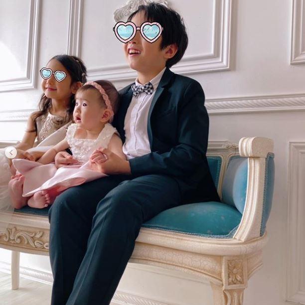 藤本美貴、3兄妹集合のドレスアップSHOT公開に反響「大きくなりましたね」「お姉ちゃん雰囲気がミキティー」