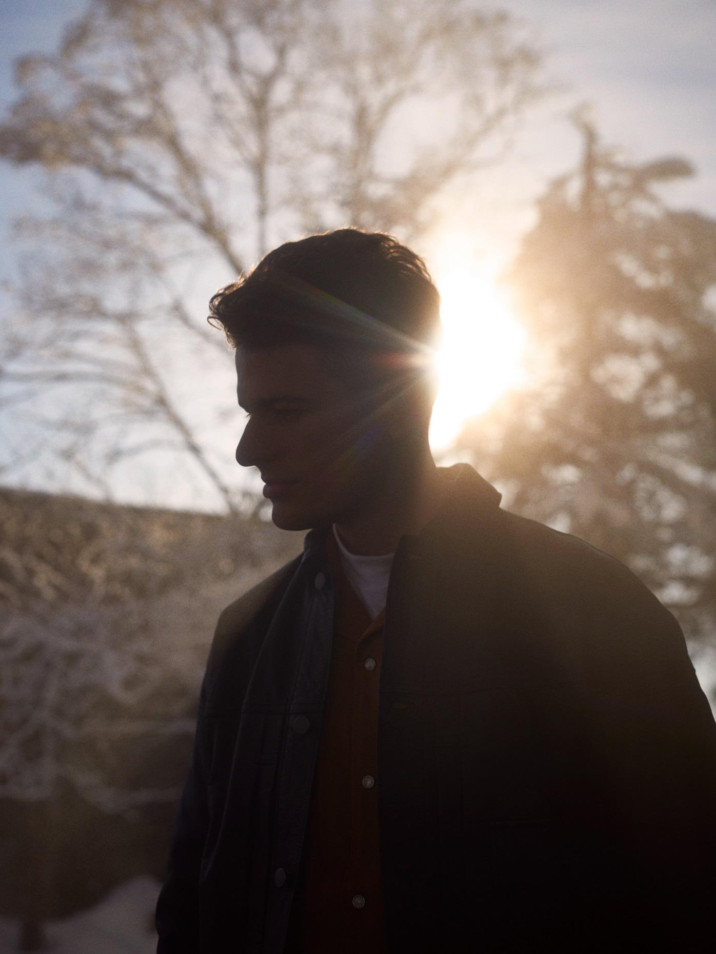 ジョシュ・カンビー「Worth Missing (Fedde Le Grand Remix)」リリック・ビデオ公開