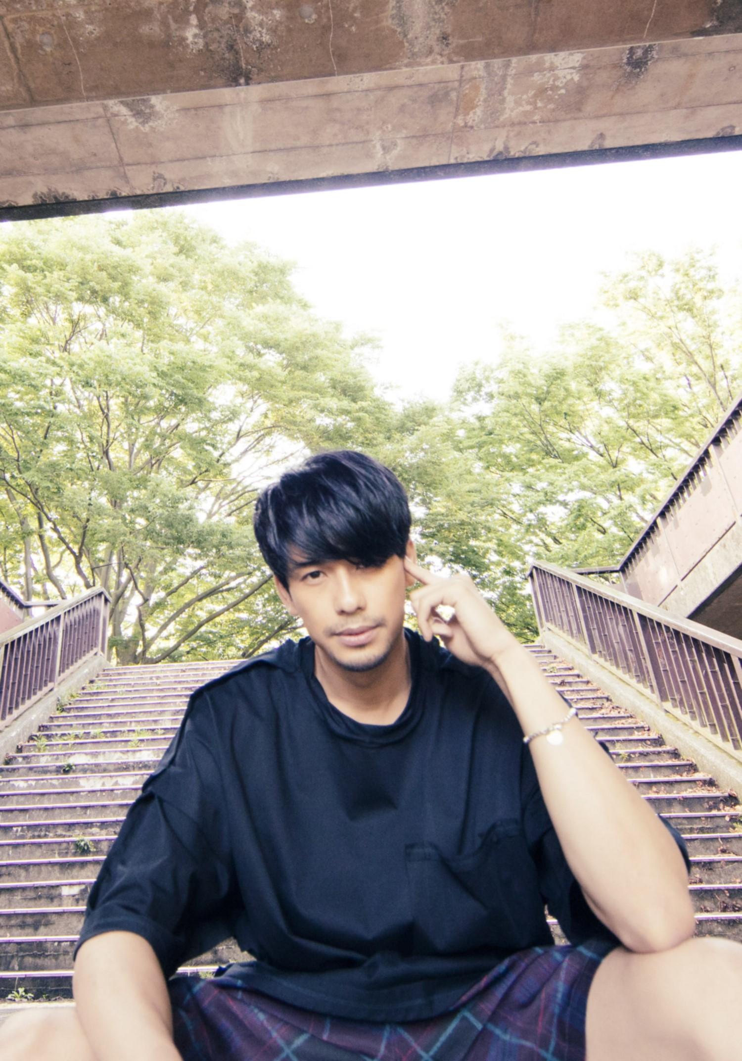 MORISAKI WIN(森崎ウィン)、「d.s.t.m.」配信スタート& 1st ep 『PARADE』 発売記念した衣装展も開催決定