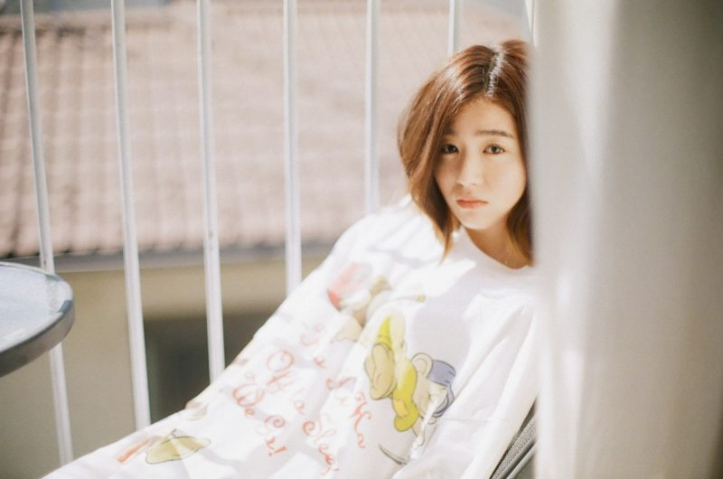 杏沙子、Music Video100万回再生記念「見る目ないなぁ」(アコースティックver.)の映像を公開サムネイル画像