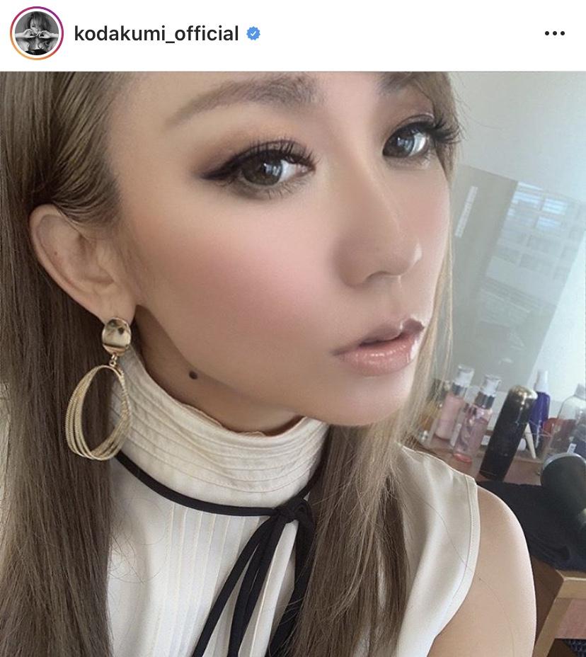倖田來未、流し目の大人モノトーンコーデSHOTに絶賛の声「綺麗すぎる」「可愛すぎてびっくり」